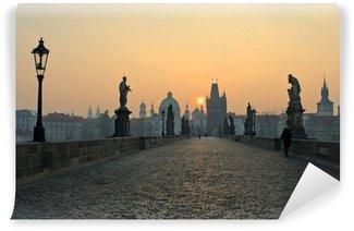 Vinylová Fototapeta Východ slunce v Praze, pohled z Karlova mostu