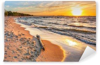 Vinylová Fototapeta Západ slunce na pláži u Baltského moře v Polsku