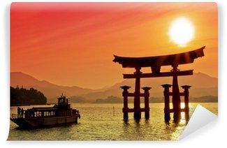 Vinylová Fototapeta Západ slunce pohled na Torii brány, Miyajima, Japan