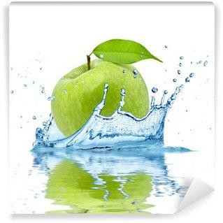 Vinylová Fototapeta Zelené jablko padající do vody, izolovaných na bílém pozadí