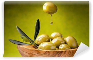 Vinylová Fototapeta Zelené olivy s olejem kapky
