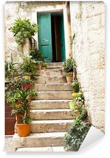 Fototapeta Winylowa Zobacz na otwartym zielone drzwi - Trogir