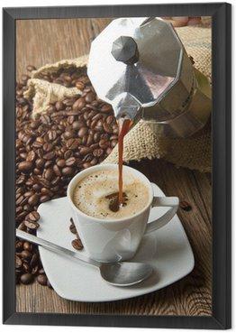 tazza di caffè con moka