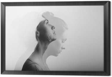 Gerahmtes Leinwandbild Doppelbelichtung mit jungen und schönen Mädchen, Schwarz-Weiß