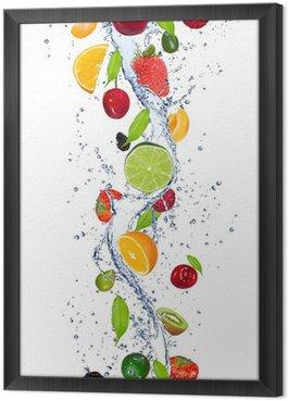 Gerahmtes Leinwandbild Frische Früchte fallen in Wasser splash