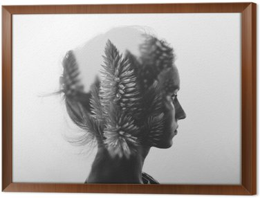 Gerahmtes Leinwandbild Kreative Doppelbelichtung mit dem Porträt des jungen Mädchens und Blumen, monochrome