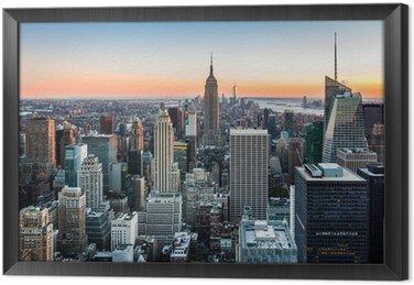 Gerahmtes Leinwandbild New York Skyline bei Sonnenuntergang