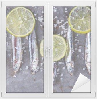 Glas- och Fönsterdekorer Ansjovis Fresh Marine Fish.Appetizer. selektiv inriktning.