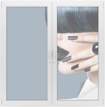 Glas- och Fönsterdekorer High fashion modell flicka porträtt med trendig frisyr