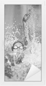 Glas- och Fönsterdekorer Ryggsim simma i svart och vitt