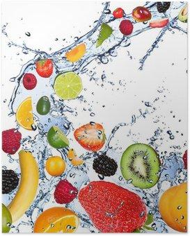 HD Poster Beyaz zemin üzerine izole su sıçrama düşen meyveler,