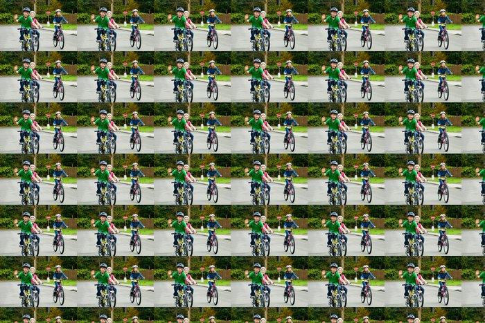 Vinylová Tapeta Děti jezdí na kolech na ulici - Na cestě