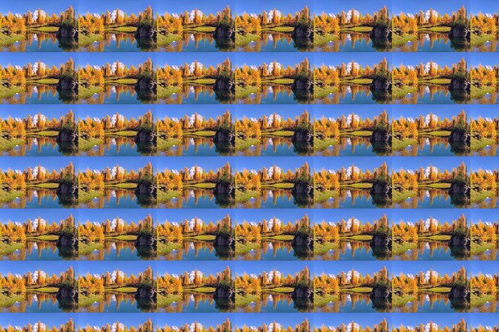 Vinylová Tapeta Odraz v horském jezeře v Dolomitech - Roční období