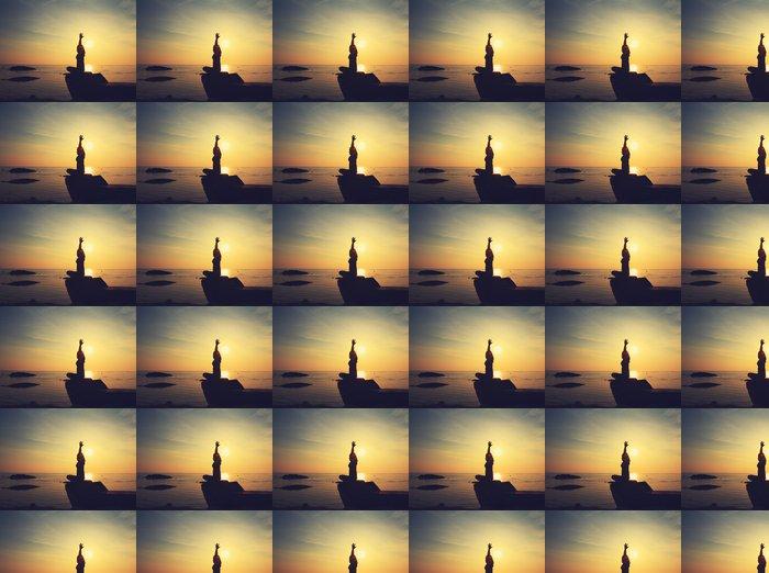 Vinylová Tapeta Silueta jóga dívka na pláži při východu slunce dělá meditace na - Do školy jógy