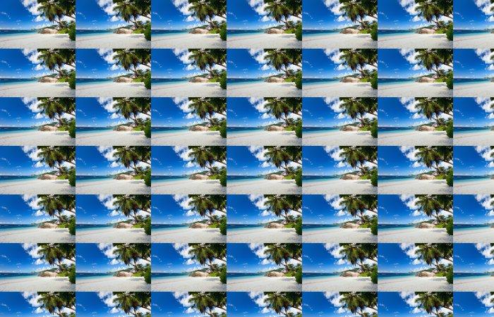 Vinylová Tapeta Idylické pláže na Seychelách - Prázdniny