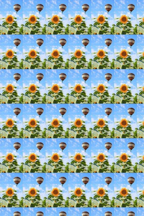 Vinylová Tapeta Velký balónového létání přes pole - Semena