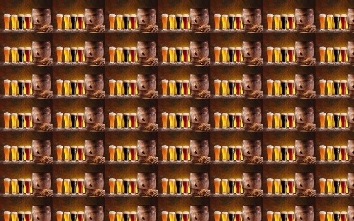 Vinylová Tapeta Pivní brýle s dřevěném sudu. - Alkohol