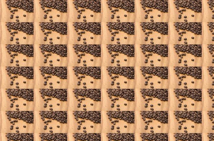 Vinylová Tapeta Kávová zrna zblízka na dřevěném stole - Témata