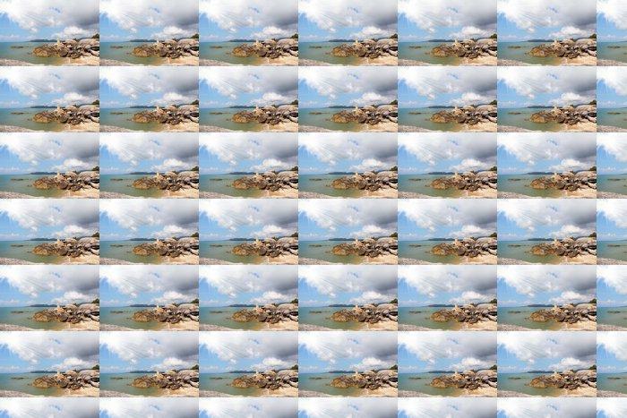 Vinylová Tapeta Útesy zdobí Lamai Beach - Nebe