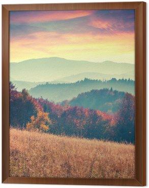 Ingelijst Canvas Kleurrijke herfst zonsopgang in de Karpaten