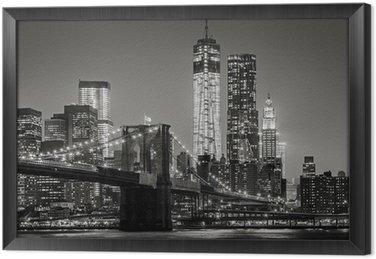 Ingelijst Canvas New York bij nacht. Brooklyn Bridge, Lower Manhattan - Black een
