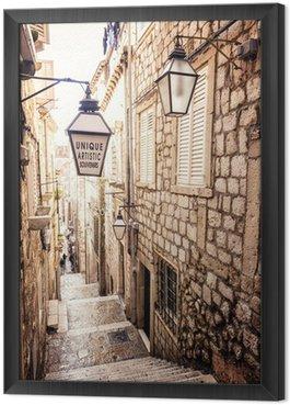 Ingelijst Canvas Steile trappen en smalle straat in de oude stad van Dubrovnik