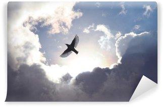 Enkeli lintu taivaassa Itsestäänkiinnittyvä Valokuvatapetti