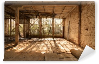 Vanha hylätty tehdas Itsestäänkiinnittyvä Valokuvatapetti