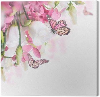 Leinwandbild Bouquet aus weißen und rosa Rosen, Schmetterling. Blumenhintergrund.