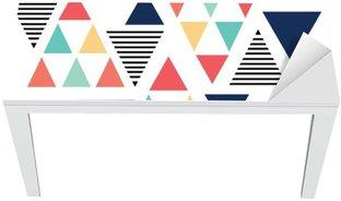 Masa Çıkartması Üçgen desen renk varyasyonu