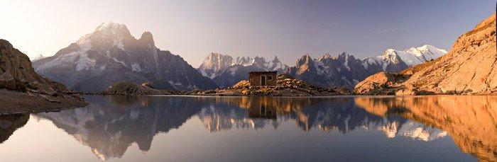 Obraz na Aluminium (Dibond) Mont Blanc oraz Alpy odzwierciedlone w White Lake - Panorama