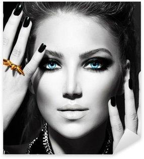 Naklejka Pixerstick Fashion Girl. Czarno-biały portret