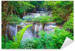 Naklejka Pixerstick Gęstego lasu wodospad w Kanchanaburi, Tajlandia