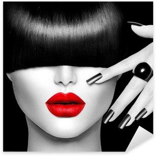 Naklejka Pixerstick Modelka dziewczyna z modnych fryzur, makijażu i manicure