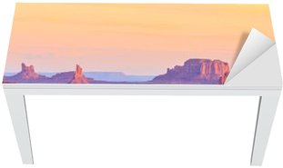Naklejka na Biurko i Stół Sunrise w Hunts Mesa w Monument Valley, Arizona, USA