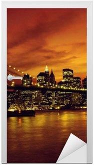 Naklejka na Drzwi Brooklyn Bridge i Manhattan na zachodzie słońca, New York