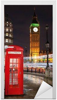 Naklejka na Drzwi Budka telefoniczna w Londynie z Big Ben i magistrali szlaków