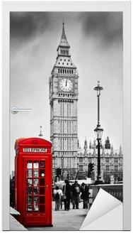 Naklejka na Drzwi Czerwona budka telefoniczna i Big Ben w Londynie, Anglii, Wielkiej Brytanii