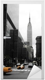 Naklejka na Drzwi Emipre State Building i żółty, Manhattan, New York
