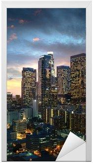 Los Angeles centrum o zachodzie słońca, w Kalifornii
