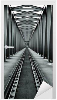 Naklejka na Drzwi Mostu kolejowego