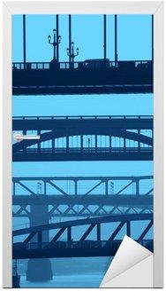 Newcastle mosty w kolorze niebieskim