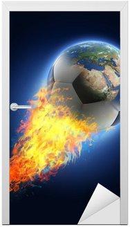 Naklejka na Drzwi Piłka przekształcenie Ziemi na czarnym tle