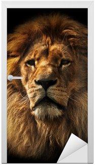 Naklejka na Drzwi Portret Lion z bogatą grzywę na czarno