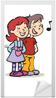 Szczęśliwy chłopak i dziewczyna śpiewa z zamkniętymi oczami
