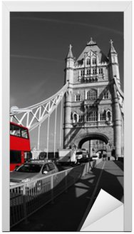 Naklejka na Drzwi Tower Bridge z Double Decker w Londyn, UK