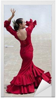 Naklejka na Drzwi Tradycyjna hiszpańska tancerka flamenco kobieta w czerwonej sukience
