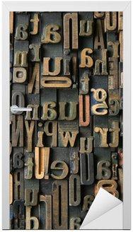 Naklejka na Drzwi Zabytkowe drewniane litery skład