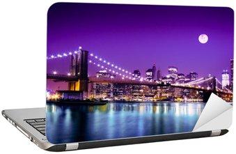 Naklejka na Laptopa Brooklyn Bridge i NYC z pełni księżyca