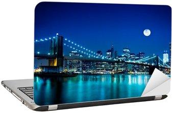 Naklejka na Laptopa Scena nocy Brooklyn Bridge i New York City